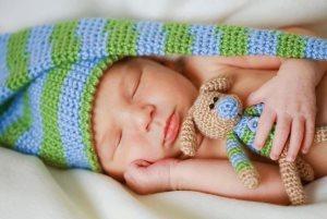 Использование кувеза для ухода за новорожденным